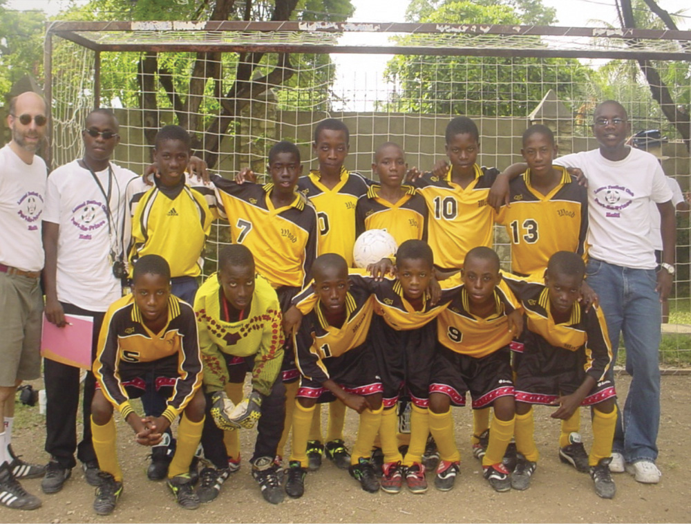 First Lemuel Soccer team in 2002