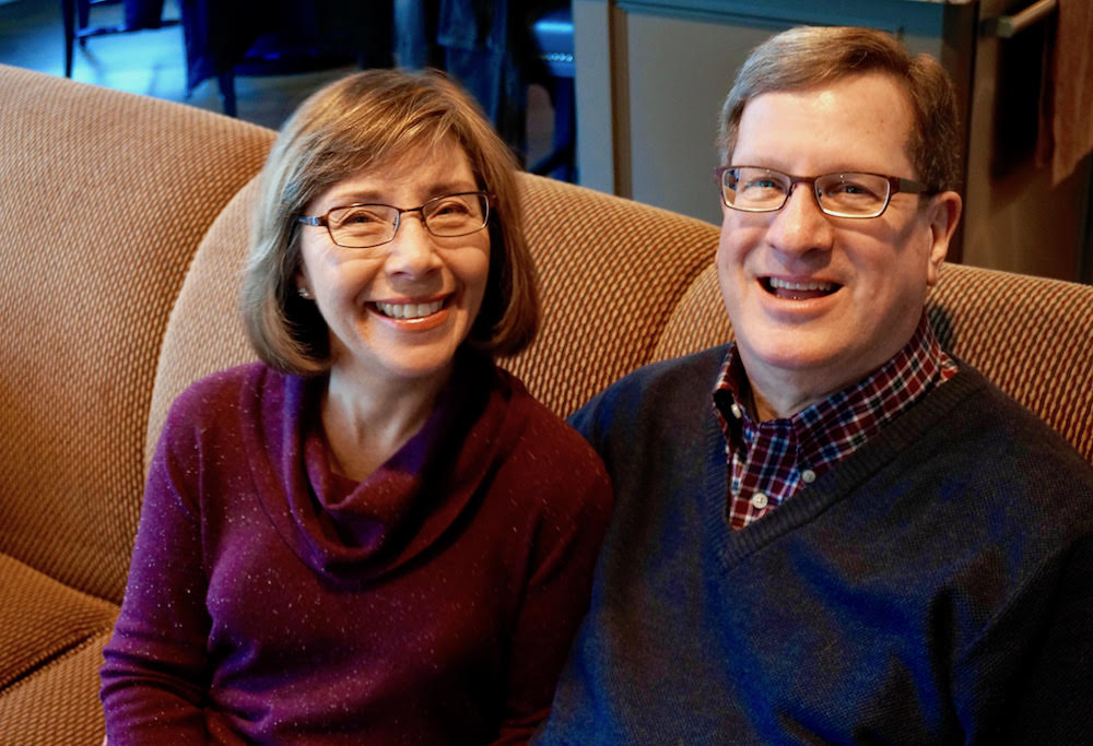 (l to r) Leslie & Lee Strobel. Photo Credit: Heidi Mittelberg