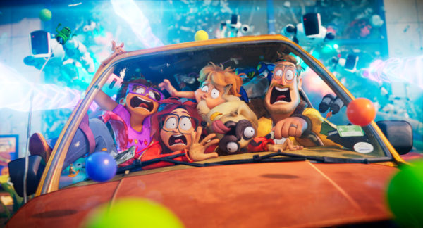 """THE MITCHELLS VS. THE MACHINES - (L-R) Maya Rudolph as """"Linda Mitchell"""", Abbi Jacobson as """"Katie Mitchell"""", Mike Rianda as """"Aaron Mitchell"""", Doug the Pug as """"Monchi"""" and Danny McBride as """"Rick Mitchell"""". Cr: Netflix / © 2021"""