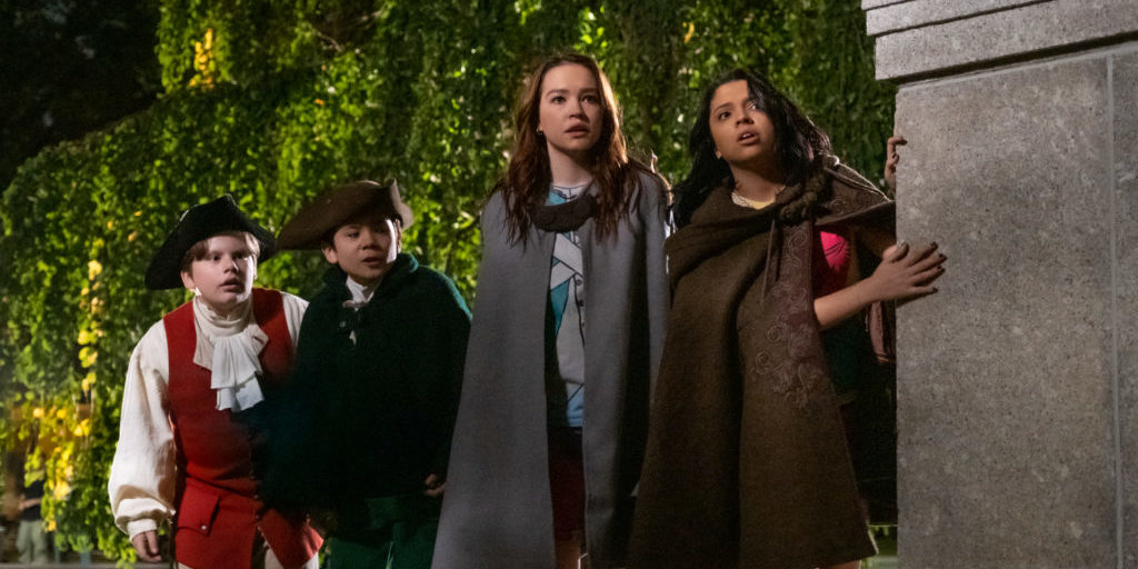 THE SLEEPOVER: (L to R) MAXWELL SIMKINS as KEVIN, LUCAS JAYE as LEWI, SADIE STANLEY as CLANCY, CREE CICCHINO as MIM. Cr. CLAIRE FOLGER/NETFLIX © 2020